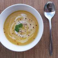 Mrkvová polévka s chilli a zázvorem recept