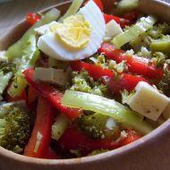 Jarní salát s vejcem recept