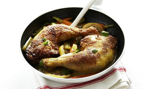 Kuřecí stehna se zeleninou