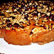 Vánoční perníkový dort s oříšky a karamelem recept