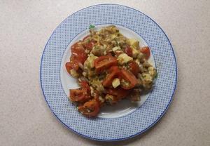 Těstovinový salát s rajčaty a mozzarellou (LIGHT)