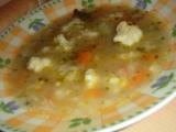 Květáková polévka s květákovým listím recept