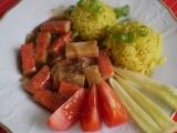 Krabí tyčinky s kari rýži s paprikou recept