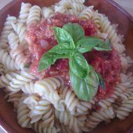 Rajčatovo-česneková omáčka na těstoviny recept