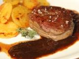 Steak s rozinkovou omáčkou recept
