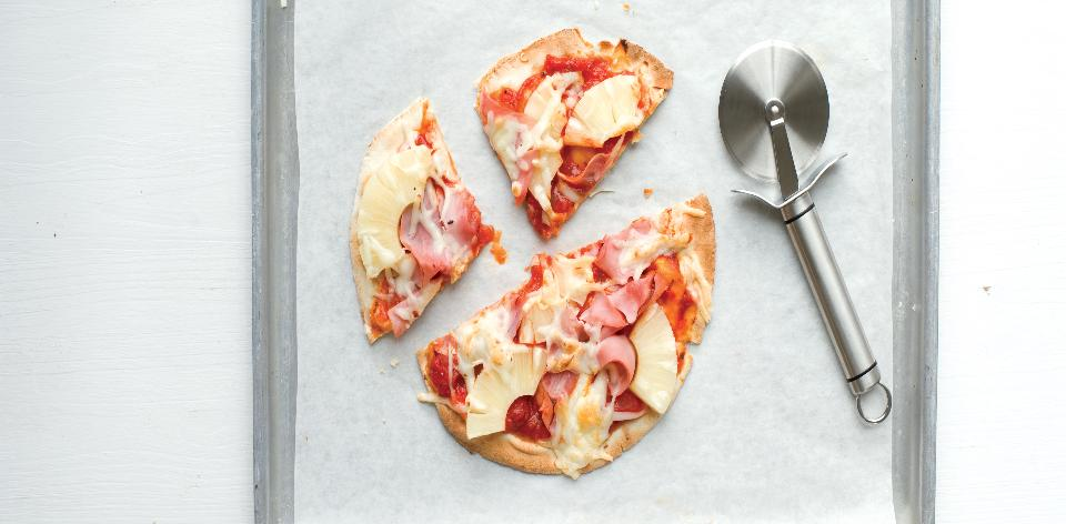 Domácí pizza hawai z pita chleba