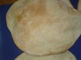 Pita  chléb blízkého východu  pečený doma recept