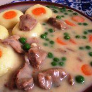 Guláš s bramborovými knedlíky recept