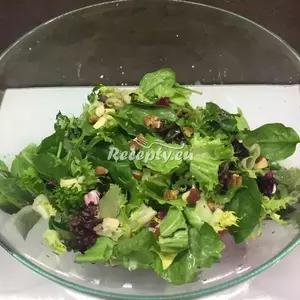 Čerstvý jarní salát recept  saláty