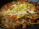 Rychlá omeletka z hlívy, pórku, červené papriky a kuřecího masa ...