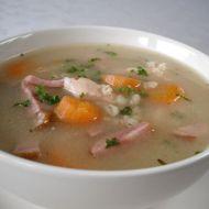 Kroupová polévka s masem recept