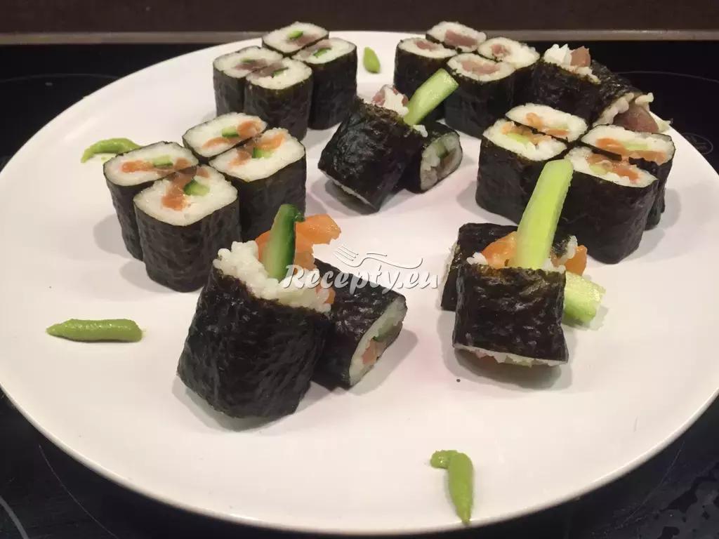 Sushi hoso maki a futo maki recept  exotické recepty