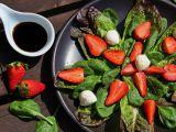 Salát s jahodami a balsamicem recept