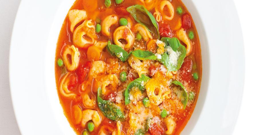 Letní těstovinová polévka