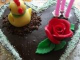 Krémový čokoládový dort s jahodami recept