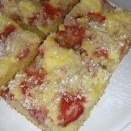 Jahodový koláč s tvarohem a drobenkou recept