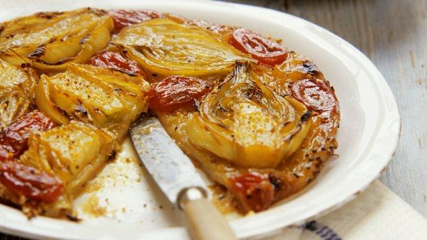Fenyklový koláč s rajčaty