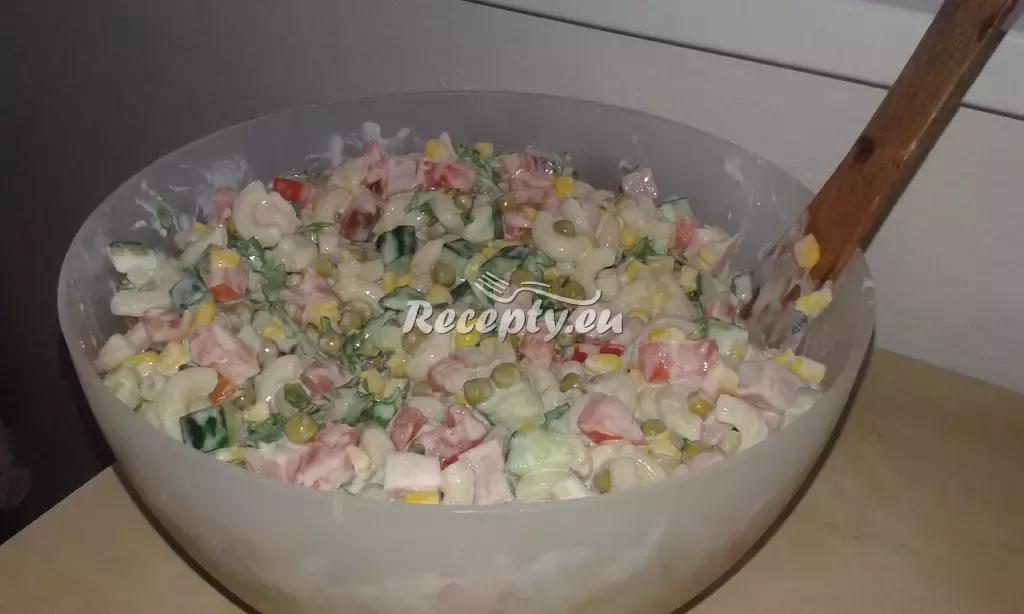 Rychlý a levný těstovinový salát recept  těstoviny