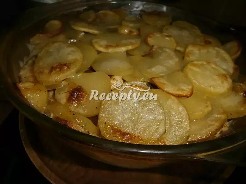 Zapečená kuřecí prsa s bramborami a smetanou recept  drůbeží ...