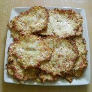 Květákové placičky se salámem recept