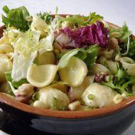 Listové saláty s těstovinou recept