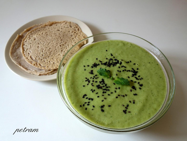 Letní zelená polévka zastudena recept