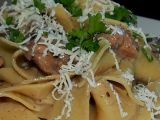 Těstoviny s kuřecím masem v houbové omáčce recept  TopRecepty ...