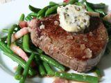 Hovězí steak s pepřovým máslem a fazolkami s pancettou recept ...