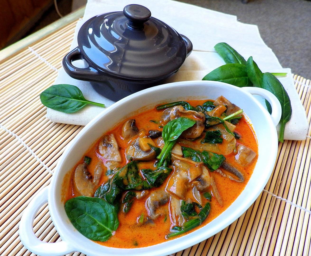 Žampionové kari se špenátem recept