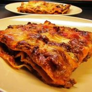 Lasagne s mletým hovězím masem a rajčaty recept