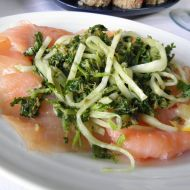 Uzený losos s bylinkami a celerem recept