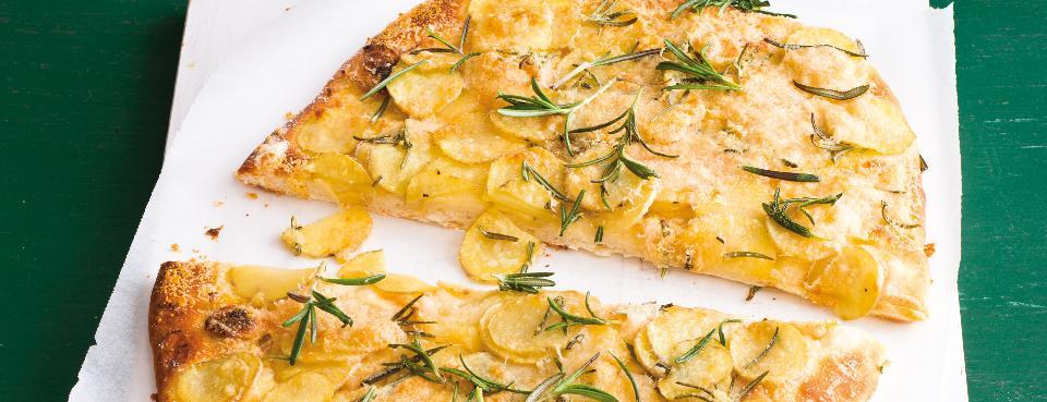 Bramborová pizza s rozmarýnem