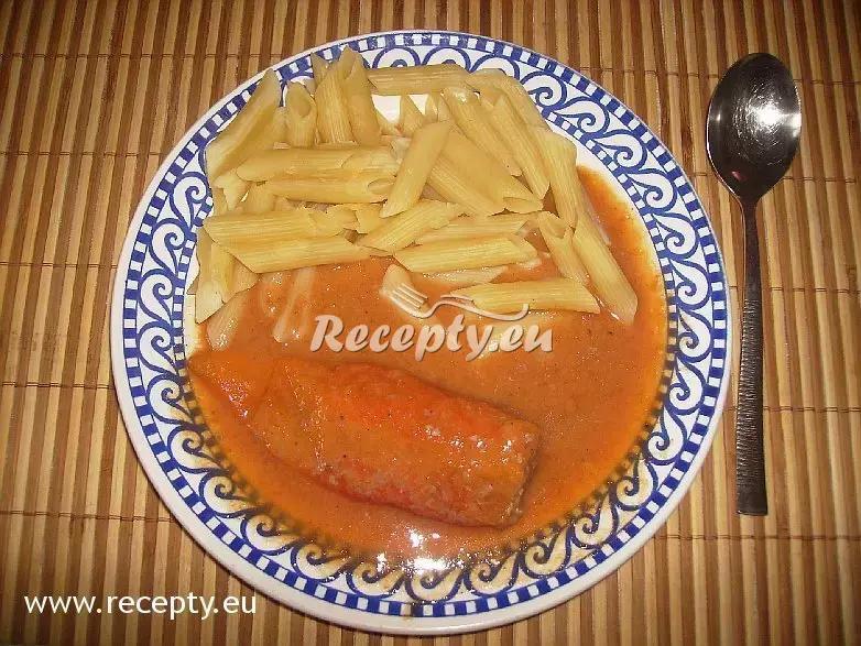 Papriky plněné sekanou a rajská omáčka recept  mleté maso ...