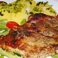 Grilovaná krkovička se salátem z rukoly recept