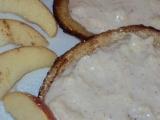 Jogurtovo  jablečné tousty recept