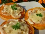 Dýně s cibulí, česnekem a sýrem recept