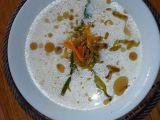 Smetanová cuketová polévka s křupavými zeleninovými nudličkami ...