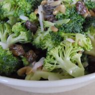 Brokolicový letní salát recept