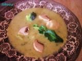 Brokolicovo-květáková polévka se žampiony a zakysanou smetanou ...