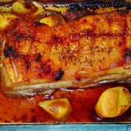 Pikantní vepřový bůček s pečenými brambory recept