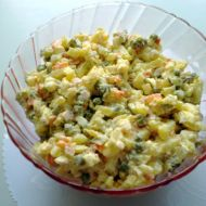 Bramborový salát s hráškem recept