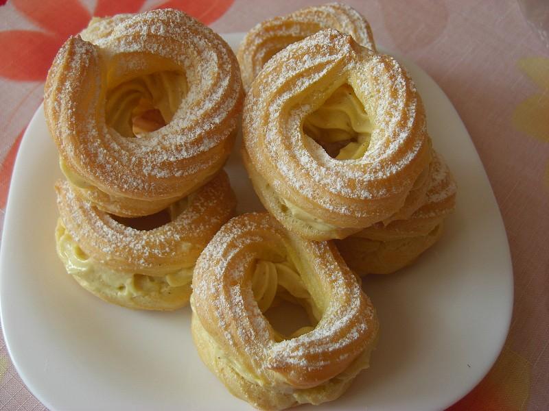 Žloutkové věnečky s italským krémem recept