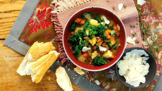 Kapustová polévka s fazolemi