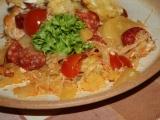 Zapékané brambory s kyselým zelím a klobásou recept ...