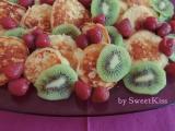 Vláčné lívanečky s ovocem recept