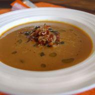 Dýňová polévka zdobená pancettou recept