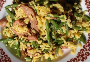 Fazolky s kari rýží a masovými nudličkami  rychle a chutně ...
