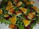 Salát z červené řepy, rukoly a pomeranče recept