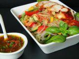 Asijský salát se skleněnými nudlemi recept