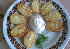 Pečené brambory s tvarohovou omáčkou